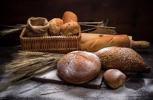 rye-sliced-bread-table_1112-1265.jpg