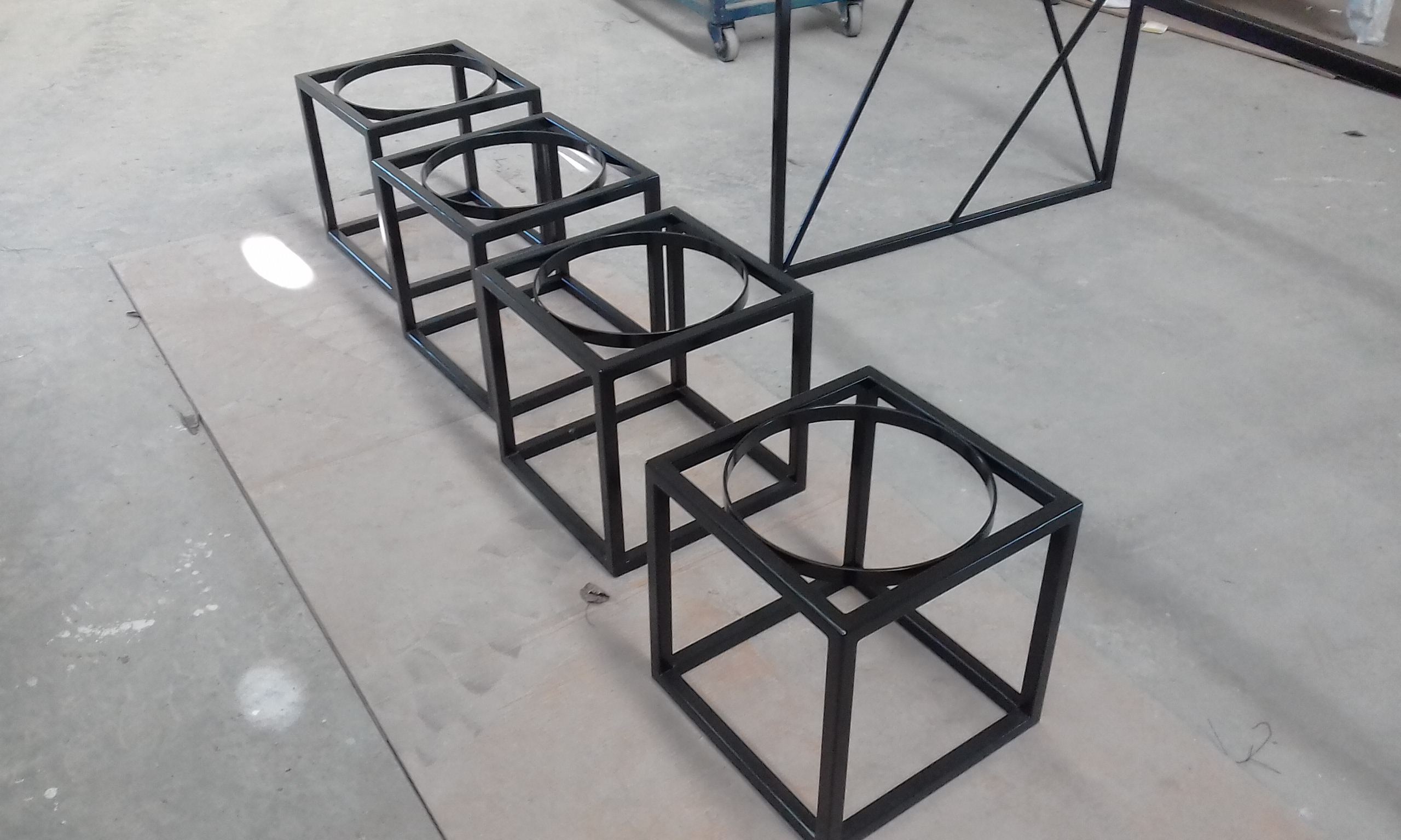 Powdercoat - Oxytec satin black - Planter boxes
