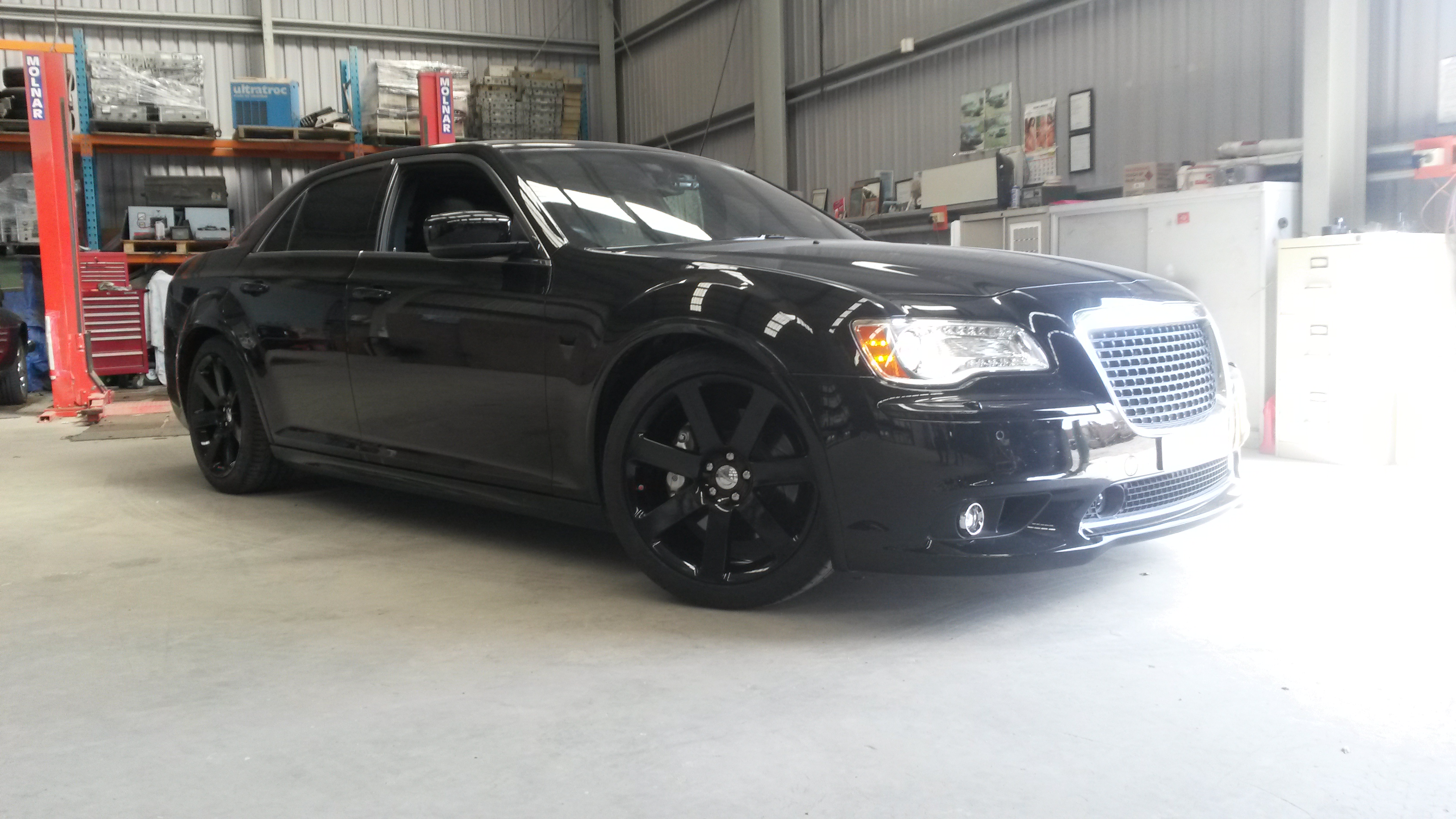 Powder coat - Oxytec Jet Black Gloss - SRT Wheels  1