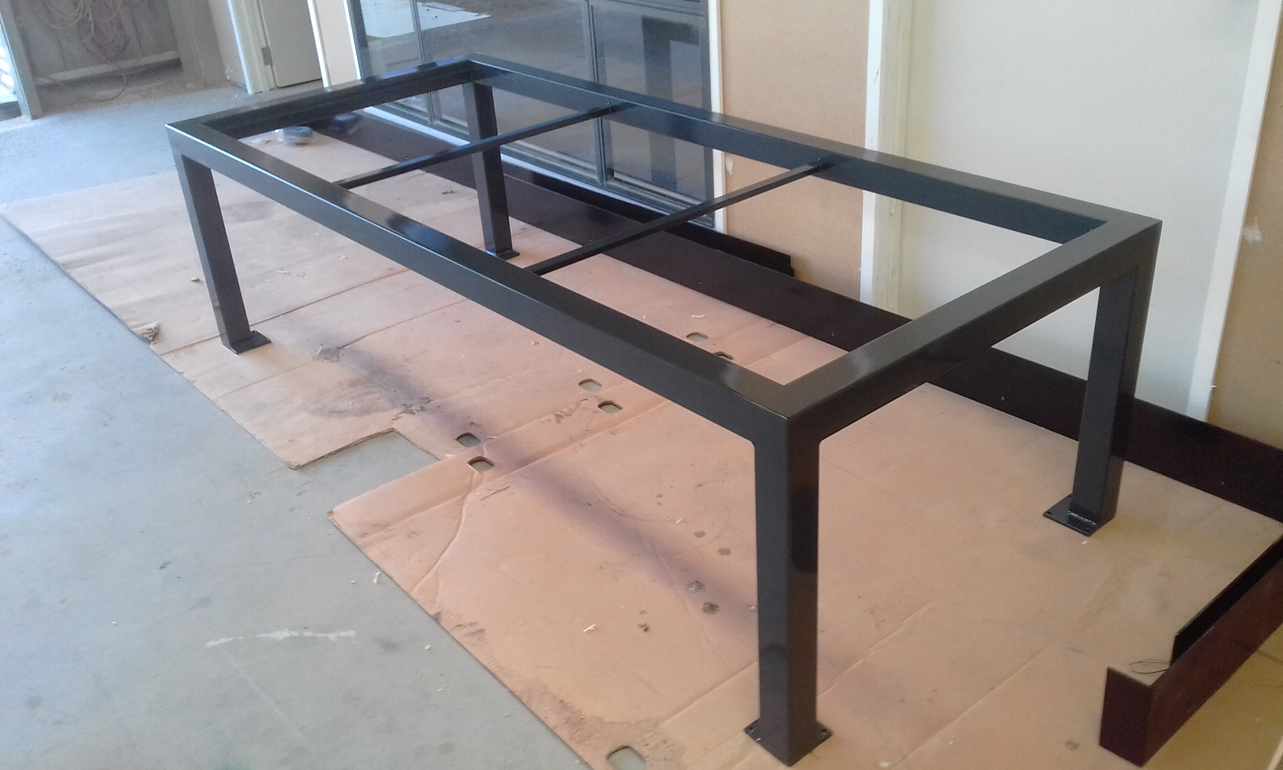Powder coating - Charcole gloss - Custom table