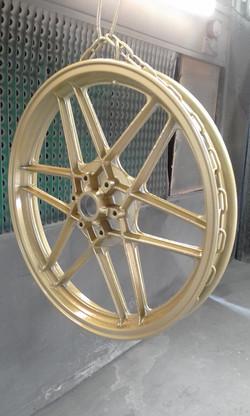 Powder coating - Oxytec Gold Simmons - Moto Guzzi
