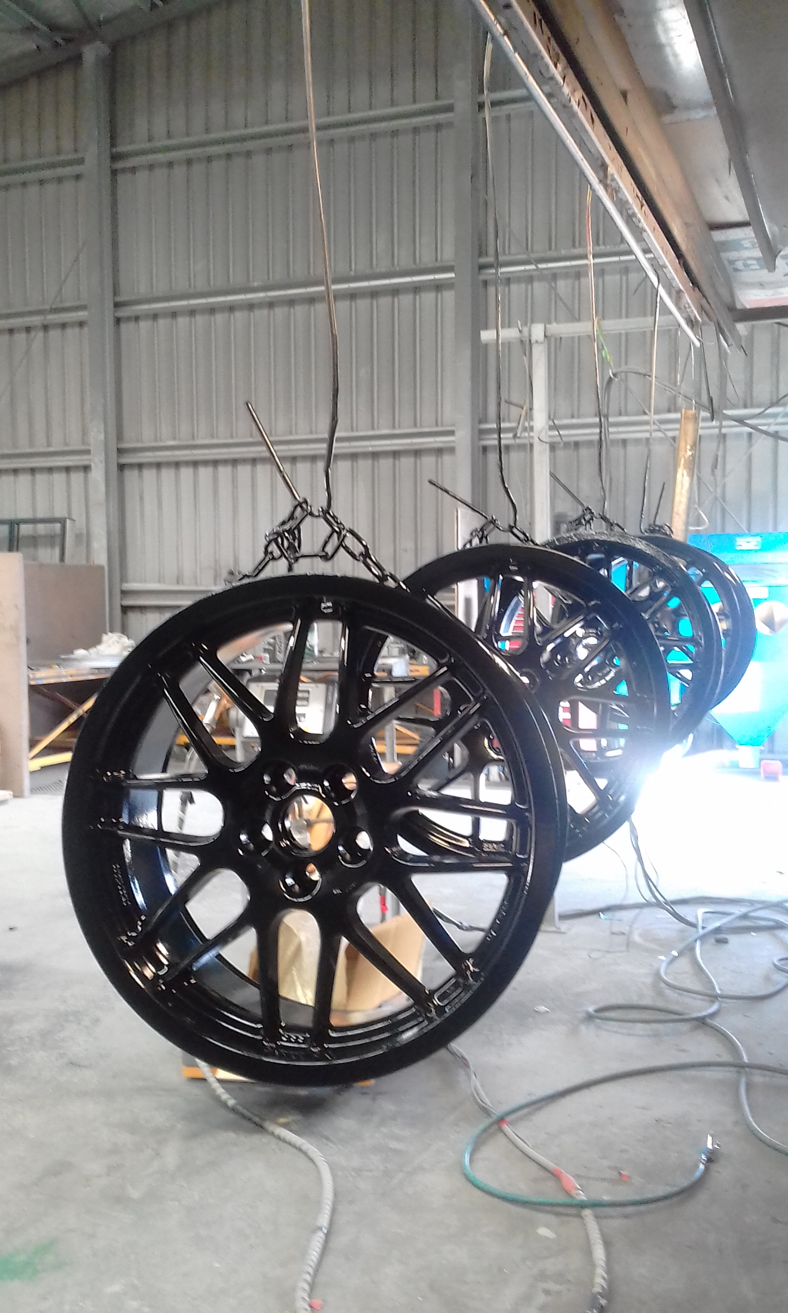Powder coating - Jet Black Gloss - BBS