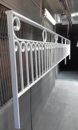 Powder coat - Oxytec Pearl white - Cast iron gates (2)