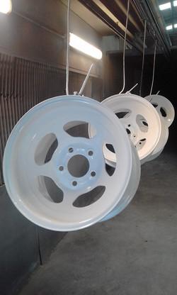 Powder coating - Pearl white - Mustang race wheels