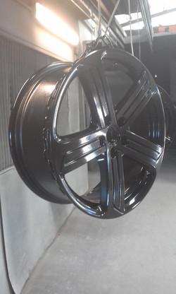 Powder coating -Jet black Gloss - VW Wheels