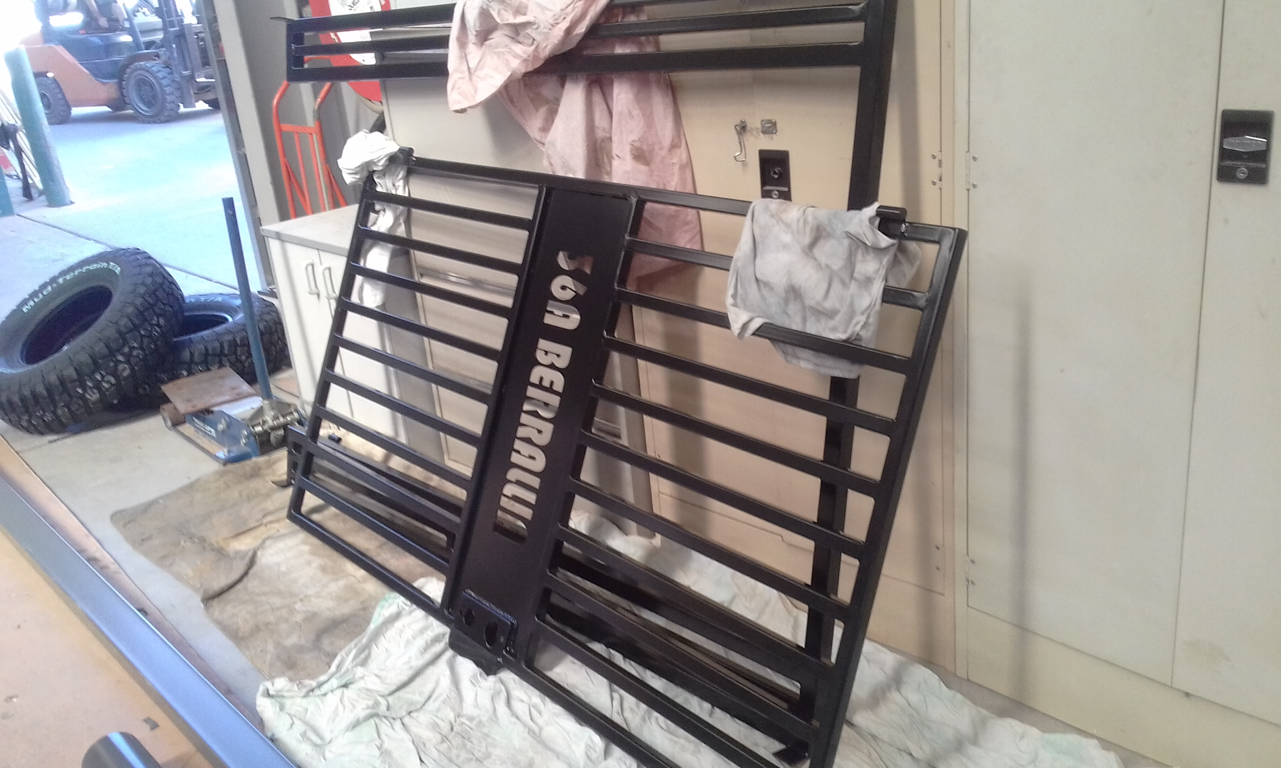 Powder coating - satin black - Gates
