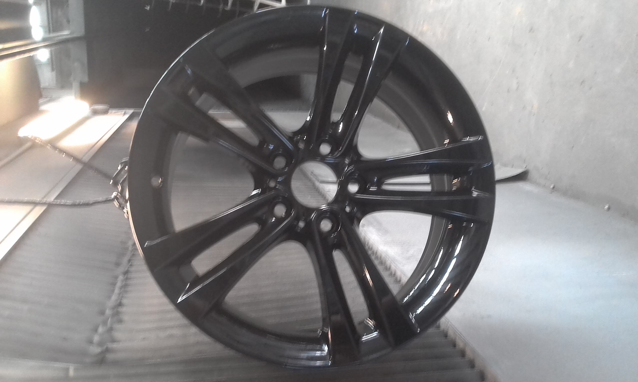 Powder coating - Oxytec satin black - BMW 18 wheels