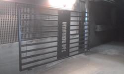 Powder coating - Satin black - gates (2)