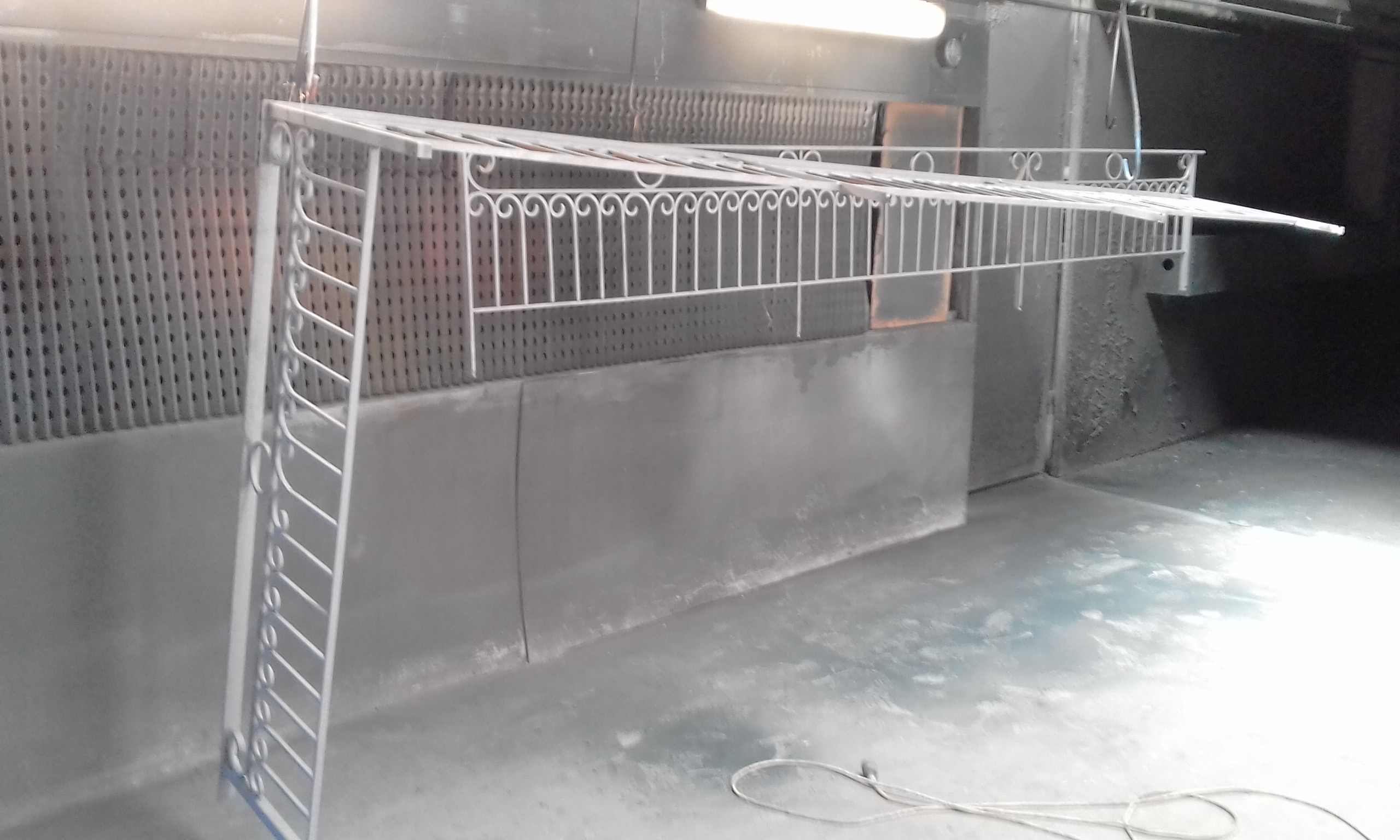 Abrasive blast - Cast iron gates