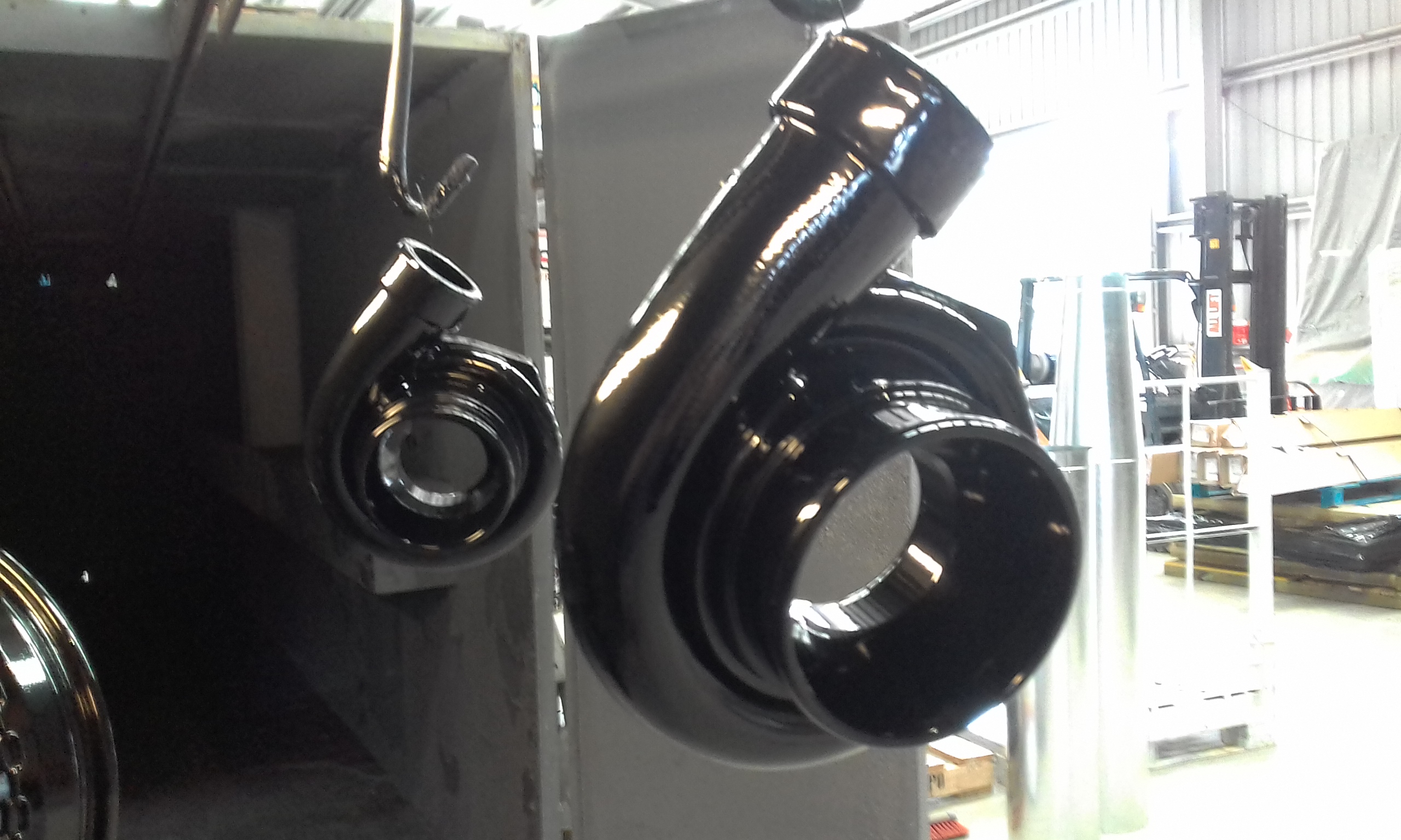 Powder coat - Oxytec Wet Black - Turbos