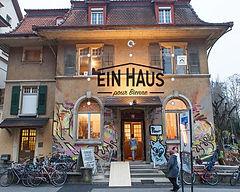 Ein_Haus_à_Bienne_edited.jpg