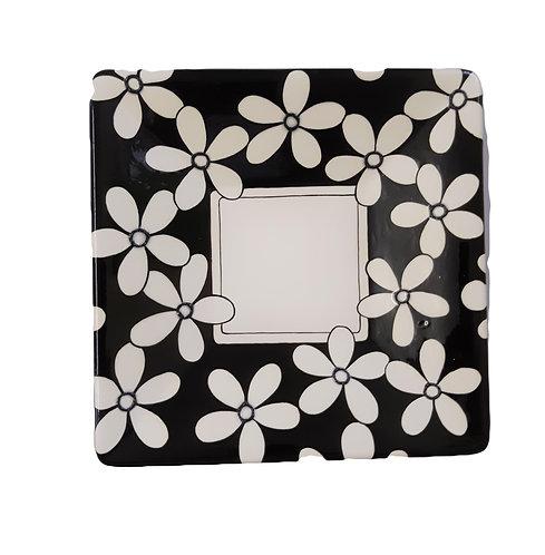 BLACK & WHITE FLOWERS SQUARE PLATTER