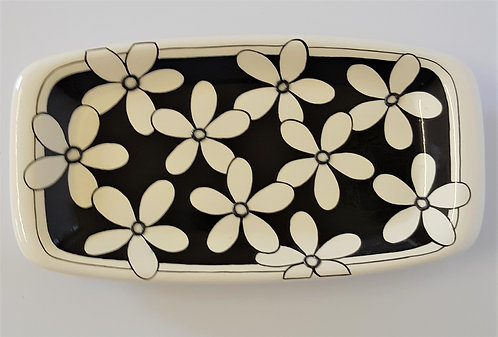 BLACK & WHITE DAISY TRAY