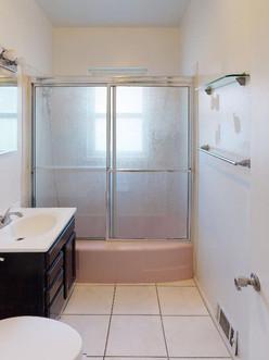 614-N-10th-Ave-Bathroom.jpg
