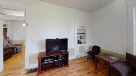 404-W-Riverton-Living-Room.jpg