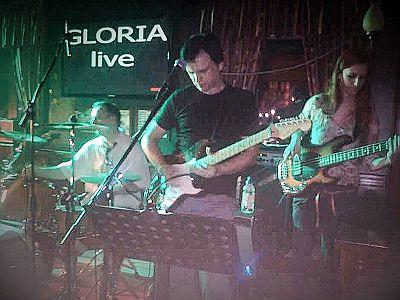 Gloria-PUB