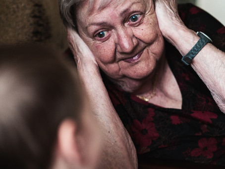 Ten Tips For Communicating With Someone Living With Dementia