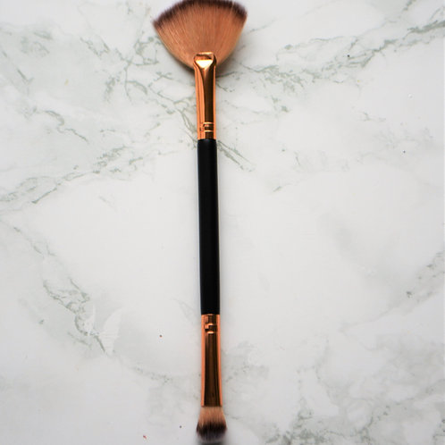 Perfect Duo Fan & Eyeshadow Brush