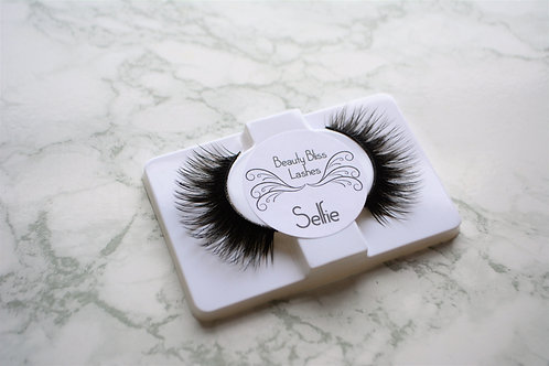 Beauty Bliss Lashes- SELFIE