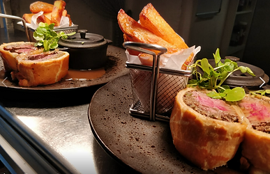 The Elm Tree - Beef Wellington main cour