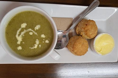STARTER - Leek & Potato Soup with Cheese Scone