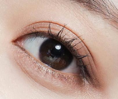 Простой способ макияжа глаз в корейском стиле
