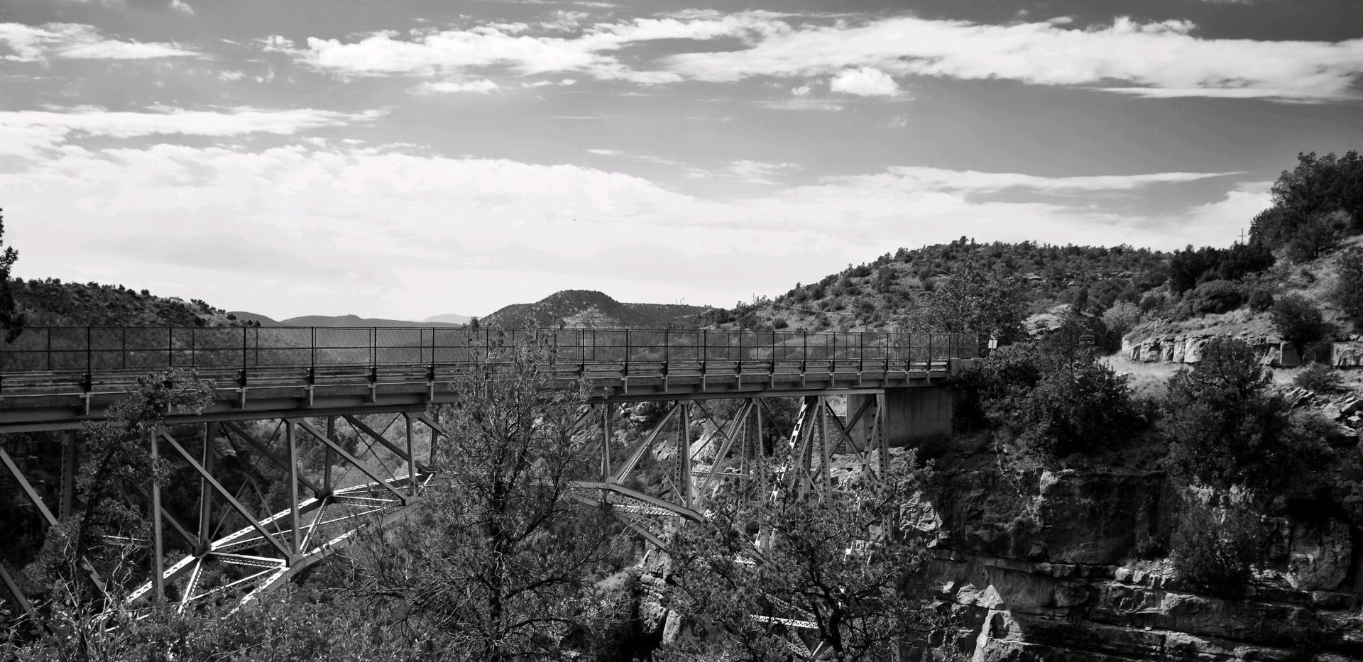 Bridge over Midgely