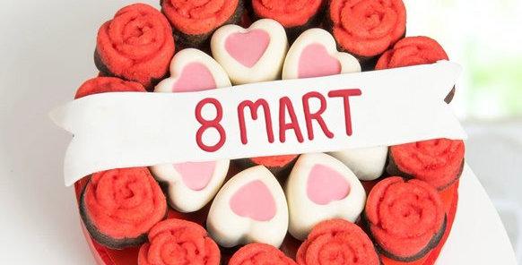 8 Mart Kadınlar Günü Kek Buketi