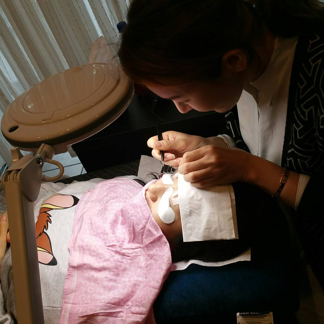 eyelash extensions training 4