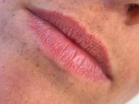 Wie entsteht ein Lippen Permanent Make-up?