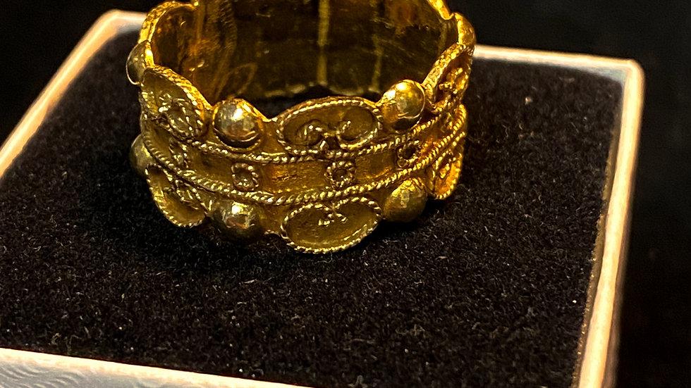 Vintage 22K Gold Indian Ring