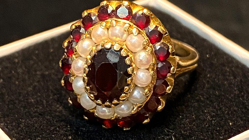 14K Vintage Garnet and Seed Pearl Ring