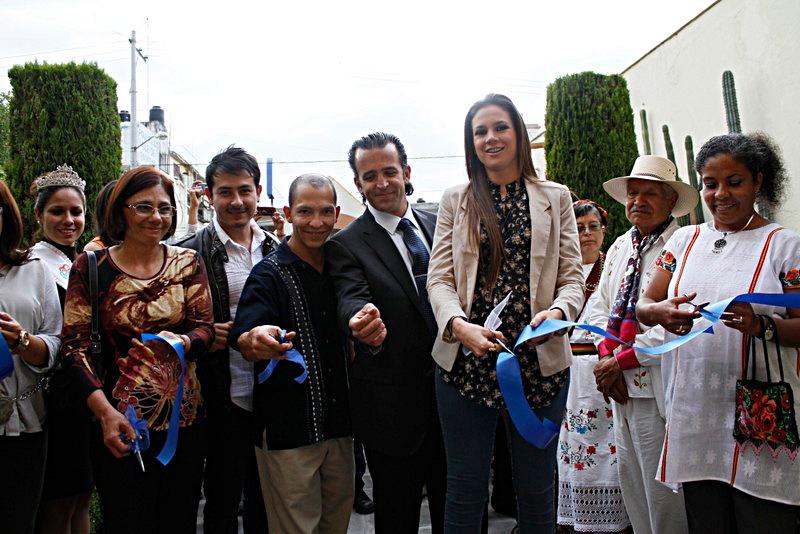MT. Exposic. Muestra Guerrerense. Mole de caderas 2012