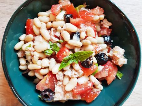 Salade de haricots blancs, thon et tomate