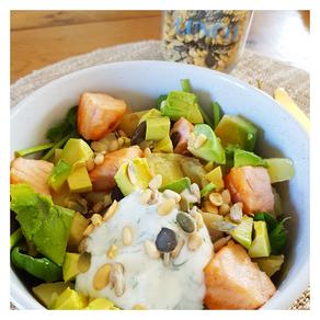 Salade de saumon, pommes de terre et avocat