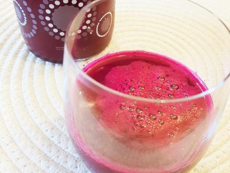 Les bienfaits des jus de fruits et légumes à l'extracteur - Recette: Jus frais pomme-betterave