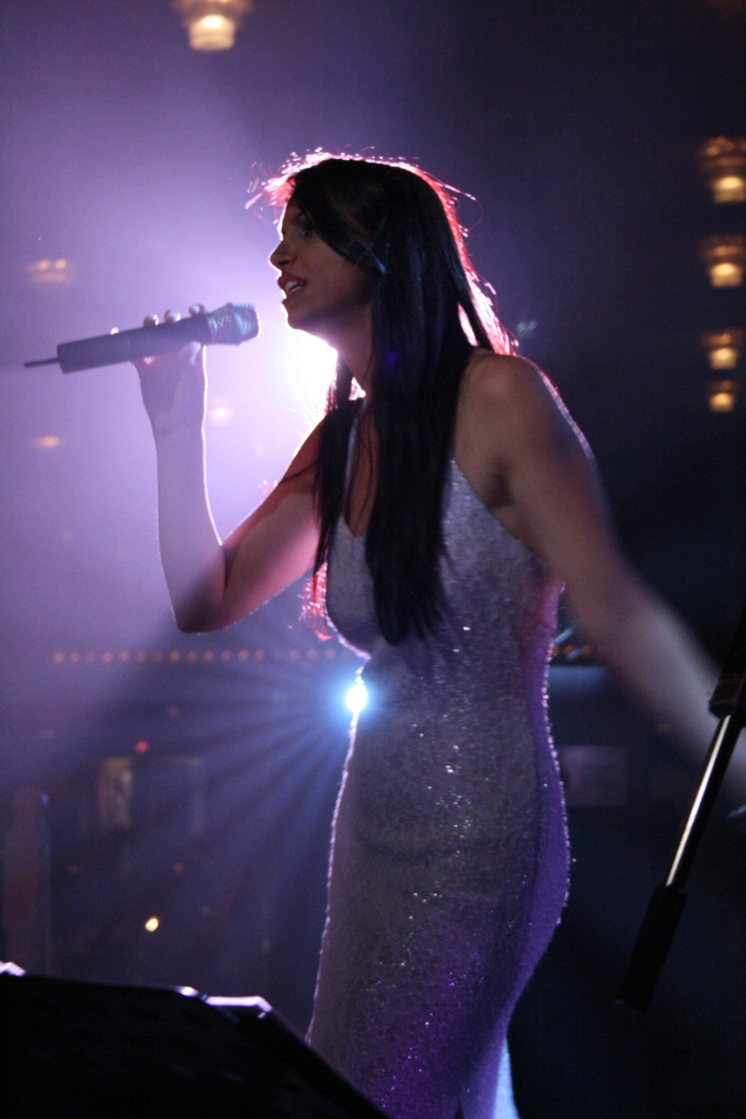 LIZA MELFI VOCALIST HONG KONG