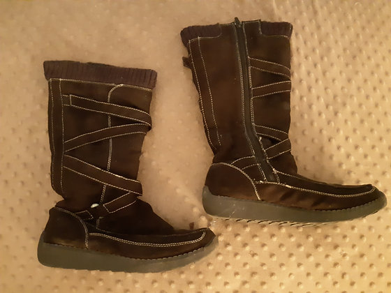 Brown Suede Boots (Size 8)