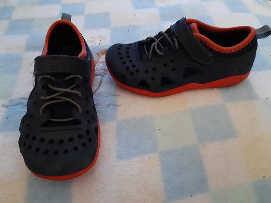 Crocs Navy Shandals
