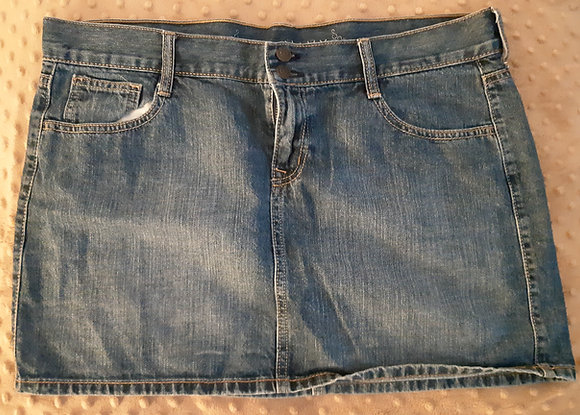 Old Navy Jean Skirt (Size 10)