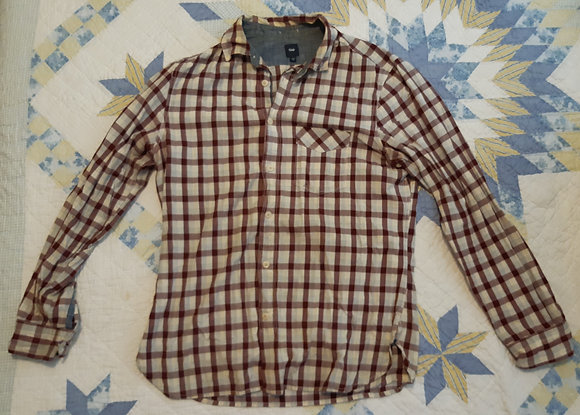 GAP Checkered - Size M