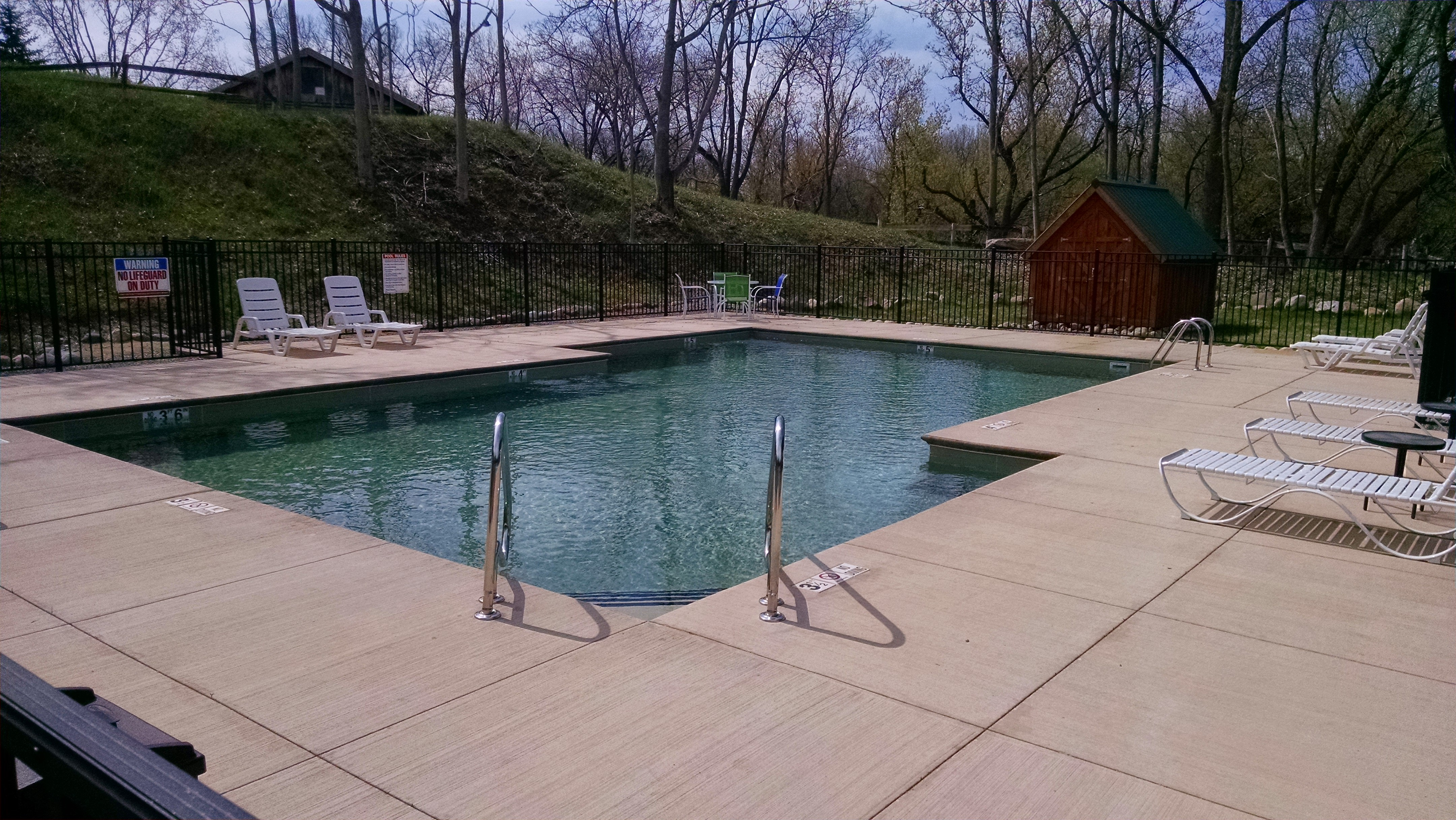Custom Hybrid Commercial Pool