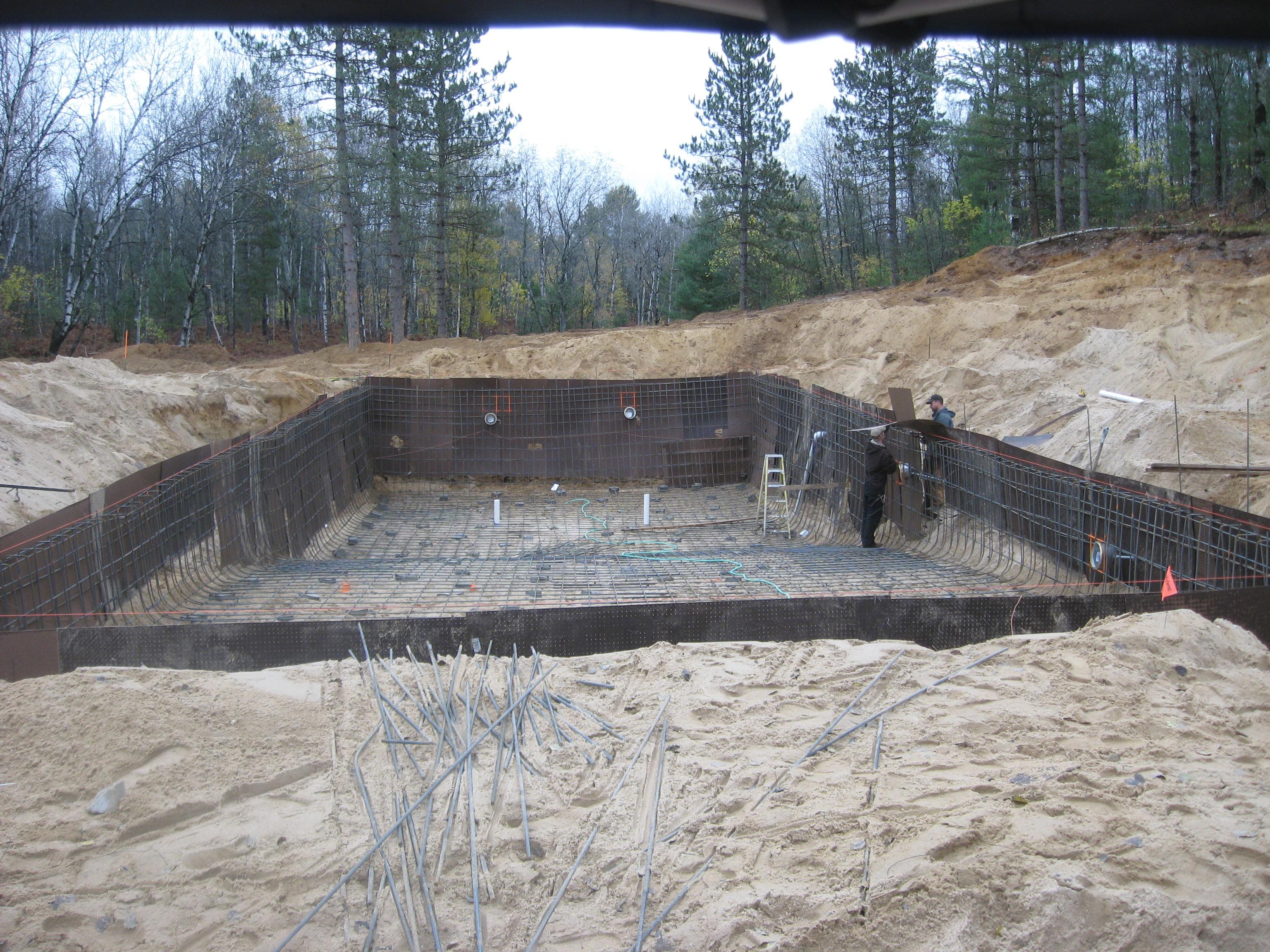 Shooting shotcrete pool