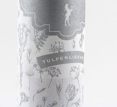 Wikkel fles tulpenlikeur. Tulip liqueur wrapper close up