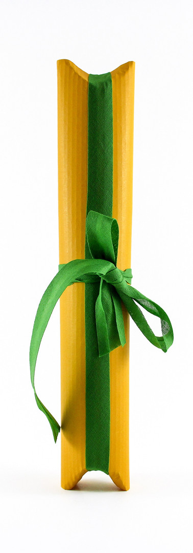 Tulip liqueur packing, yellow corrugated card with green ribbon