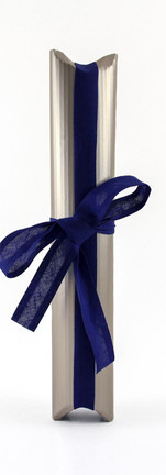 Tulip liqueur packing, silver corrugated card with blue ribbon