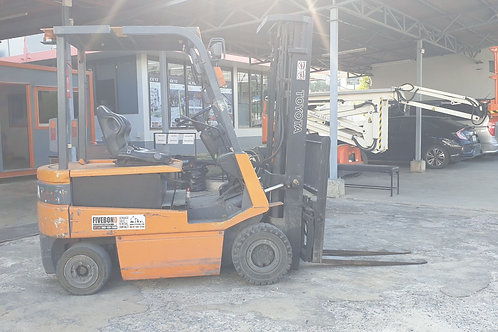 (A011)  ELECTRIC FORKLIFT TOYOTA 2.5 T.