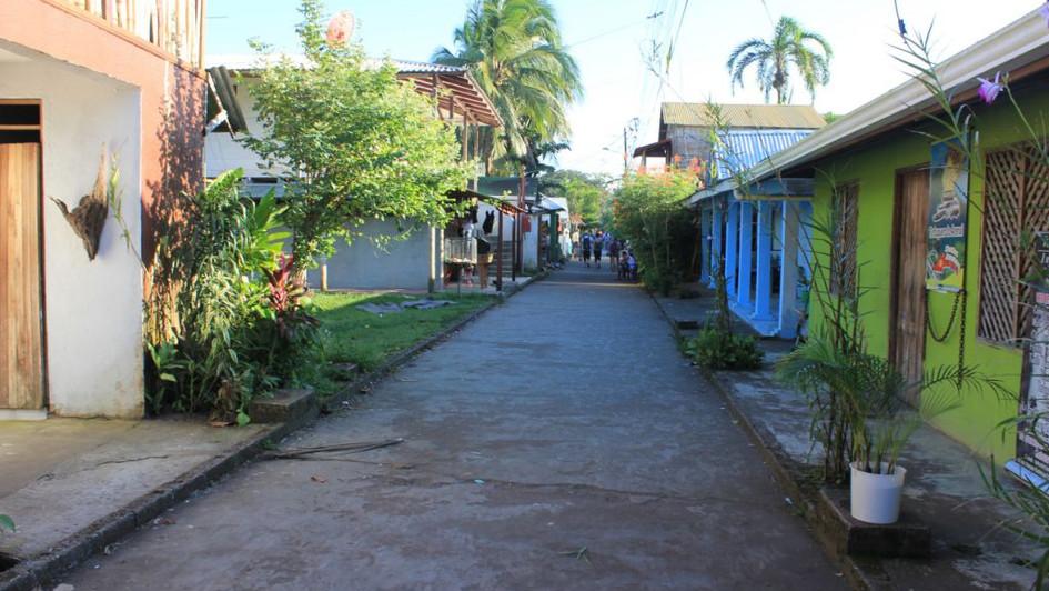 Village - Tortuguero