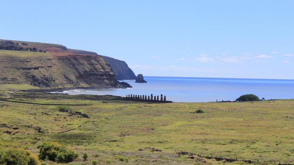 Moai et mer - Ile de Pâques