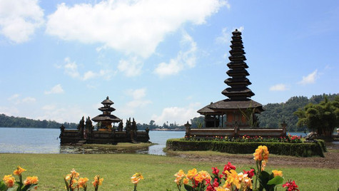 Temple Ulu Danu - Bali